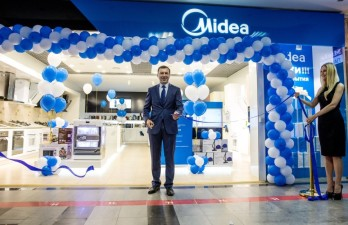 Alexey Obukhov, General Director of the Midea Company Russian representative office, during the opening ceremony of the store